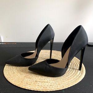 Monika Classy 5'' Heel Pointy Toe Pumps